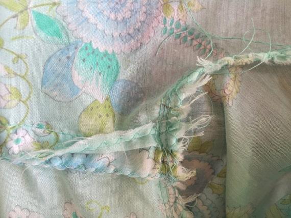 1960s Boho Floral Blouse with Bishop Sleeves / Tu… - image 4