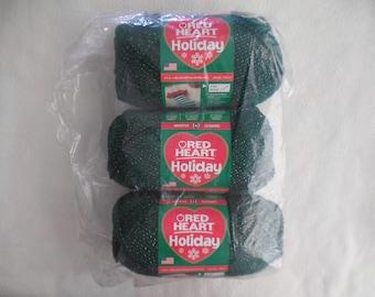 Green/Gold Red Heart Holiday, Red Heart Christmas Yarn, Holiday yarn, Glitter Yarn Hunter/Gold, evergreen, dark green, Chasseur Cazador/Oro