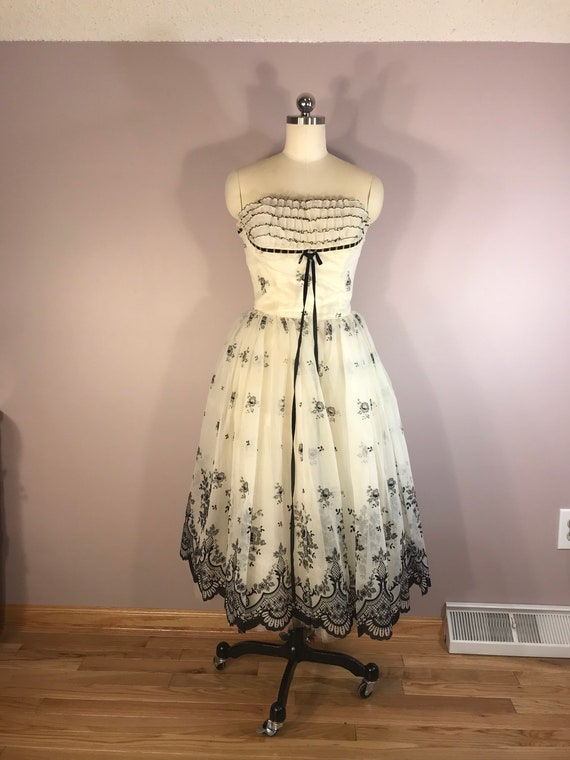 Black and White 1950s Formal Size XS