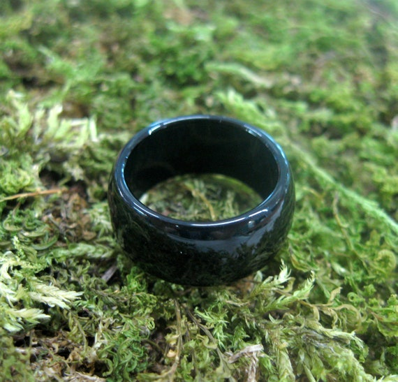 Black Natural Magnetic Hematite Band Ring Dome Brand New SIZE 6 1//4