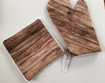 Wood Grain Oven Mitt and Potholder Set