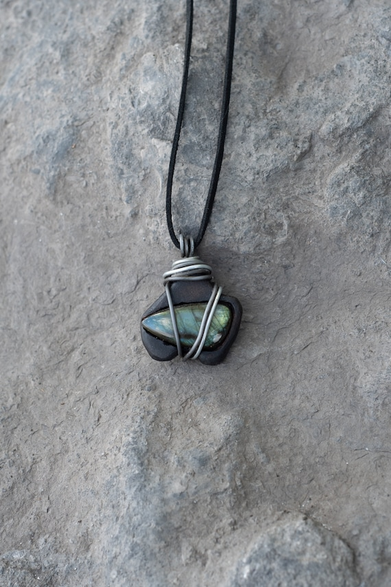 Blue Labradorite and African Blackwood necklace / Dream and spirituality /