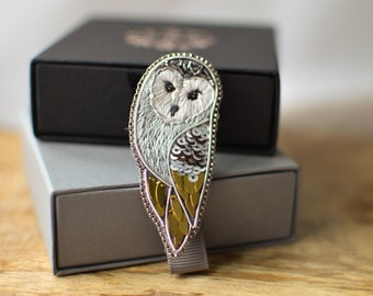 Barn Owl Embroidery Brooch, Cottage Core Lapel Pin Gift for Bird Lover, Whimsical Silver Gift for Mum