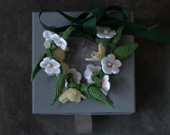 White Flower Beaded Bracelet, Summer Floral Bracelet, Cottagecore  Bridal Jewelry