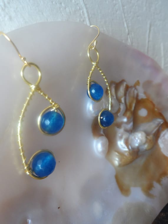 Blue Faceted Quartz Drop Earrings with Gold Wire, Blue Earrings, Healing Crystal, Gift For Her, Mothers Day