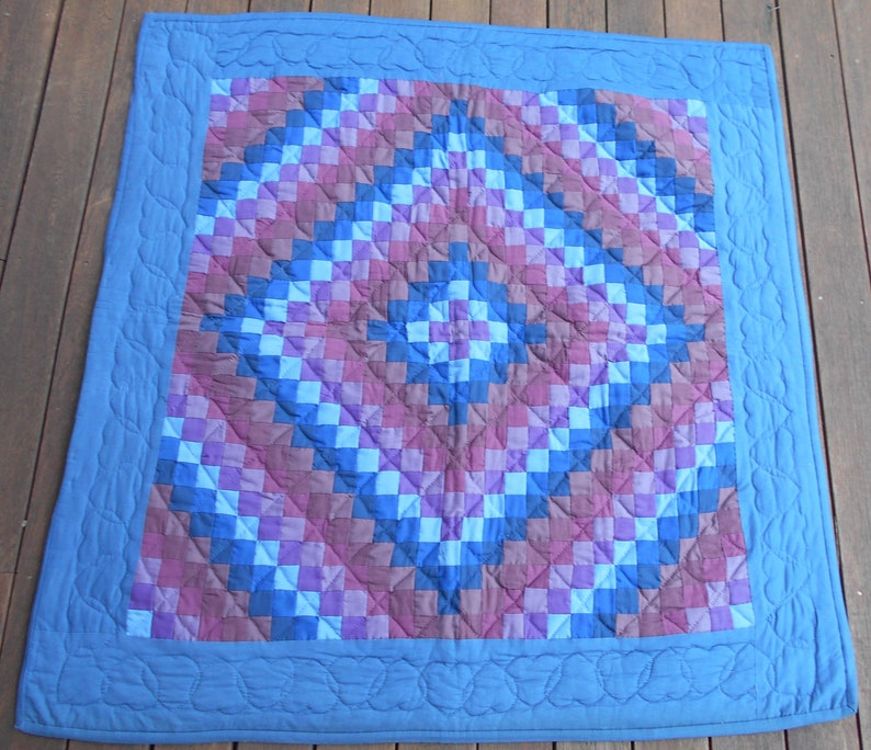 Amish, Lancaster County, Trip Around the World, Fabulous Quilting! 39 x 39