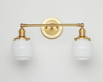 Vintage style - Wall sconce - Hand blown glass - Vanity fixture - Kitchen brass lamp