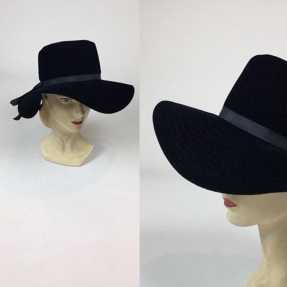 vintage 1970s Floppy Black Velvet Hat / vintage 70