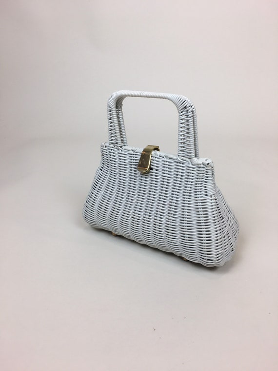 Vintage 1960s White Wicker Handbag  / vintage 60s