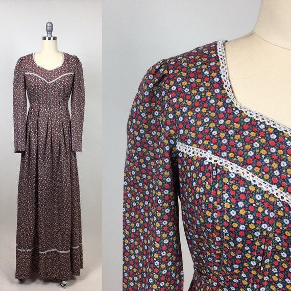 Vintage 1970s Prairie Calico Core Floral Maxi Dres