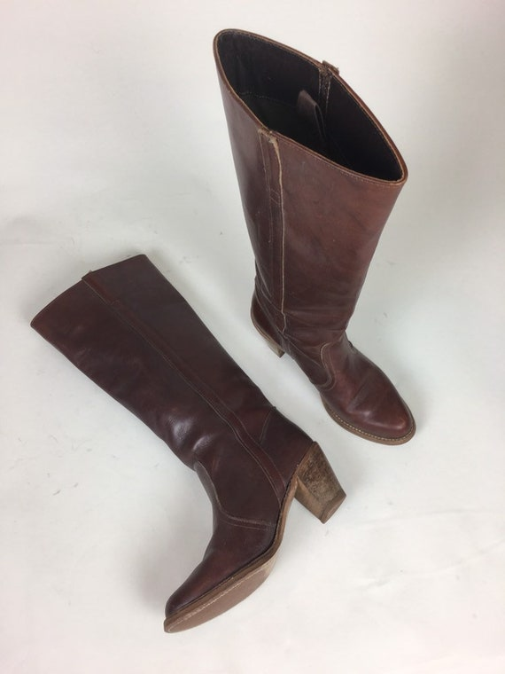 vintage 1970s Tall Brown Leather Prairie Boots / v