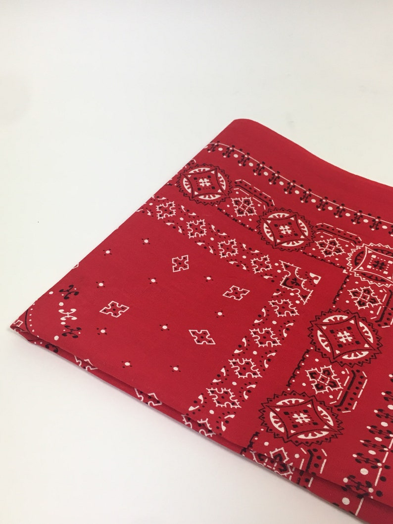 1f697ed66414 Vintage 60s Red Bandana   1960 Fast Color RN 14193 Red Cotton