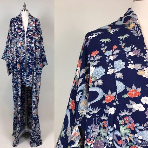 Vintage 1950s Silk Crepe Japanese Kimono Robe / vi