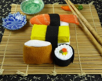 Sushi Felt Food Set Unrolls and Re-rolls. Play Food for a Pretend Kitchen, Play, learn, teach or display. Fine motor skills. Zero Waste