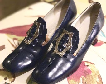 Vintage 60s Lujano Hand Made Shoe. Navy Blue Leather Pump. Mary Quant Silver Buckle Pilgrim Shoe. Medieval Edwardian Downton Abbey Shoe 7N