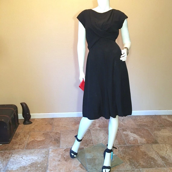 1950s Vintage LBD Little Black Dress Size 4. Silk