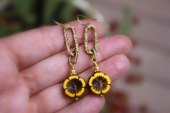 Earthy Bohemian Hippie Earrings Sunflower Yellow Flower Earrings Rustic Green Leaf Czech Bead Earrings Boho Bronze Heart Dangles Dangles