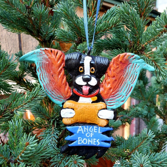 Border Collie Angel of Bones. A perfect gift for the dog lover: a lightweight, handmade and painted ornament.