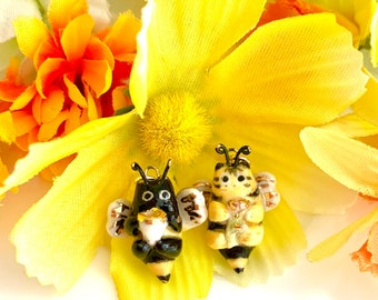 Bee Cat Necklace   Ceramic Pendant   Bee Jewelry   Cat Lover Gift