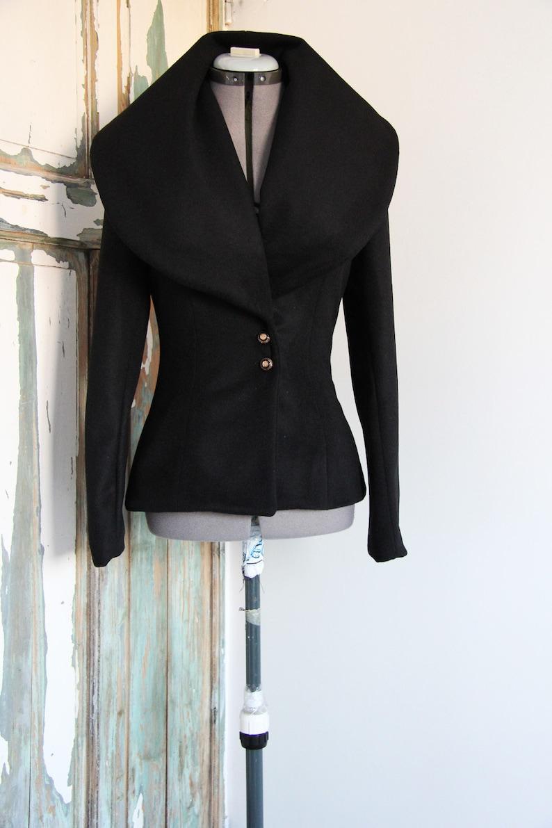 low priced f4494 fa8e7 Frauen kurz zu wickeln, Mantel, großer Kragen Mantel, Damen Mantel,  schwarzen Mantel, schwarzen kurzen Mantel, Wollmantel, Wickeljacke, Frauen  Mantel