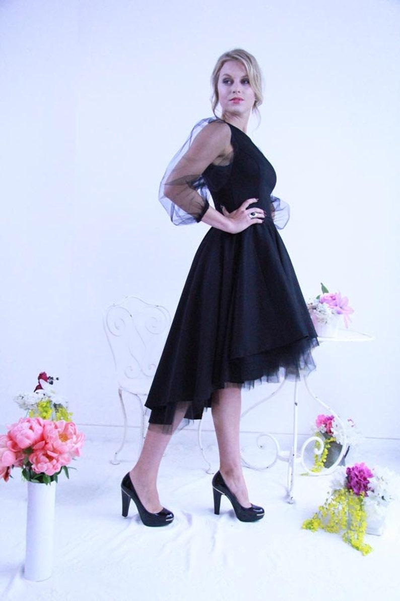 a3f0fbf9974 Robe asymétrique noire  robe longue asymétrique  robe de