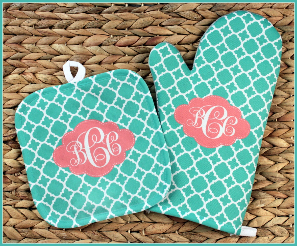baking gifts for her oven mitt pot holder monogrammed gift set personalized oven mitts