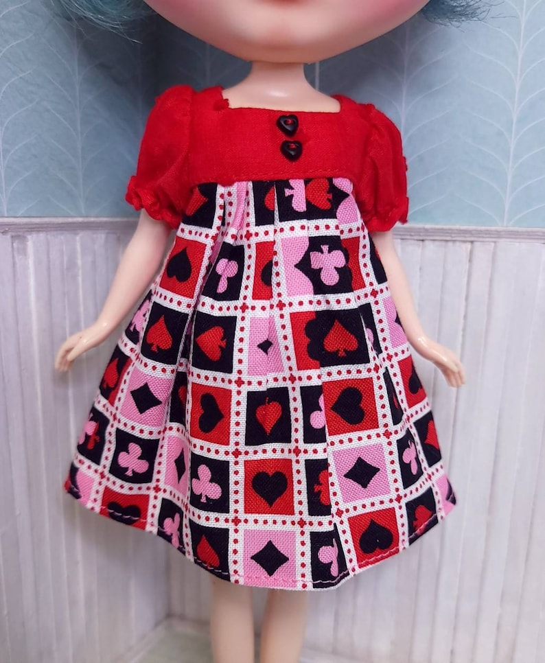 Queen of Hearts Short Sleeve Blythe doll dress by Blythette Square Neck