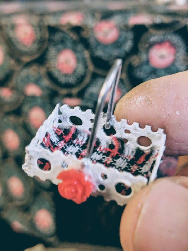 Dollhouse basket-miniature basket-dollhouse metal basket-dollhouse caddy-dollhouse bathroom-dollhouse kitchen-miniatures-