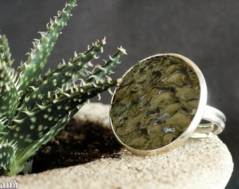 Kale green fish leather ring, gift for mom, gift for birthday, girlfriend gift, nautical fashion, natural jewelry, boho-chic fashion