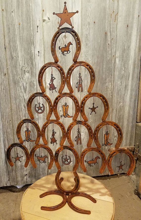Horseshoe Christmas Tree.Rustic Horseshoe Christmas Tree With Ornaments Rustic Cowboy Western Authentic Horseshoes