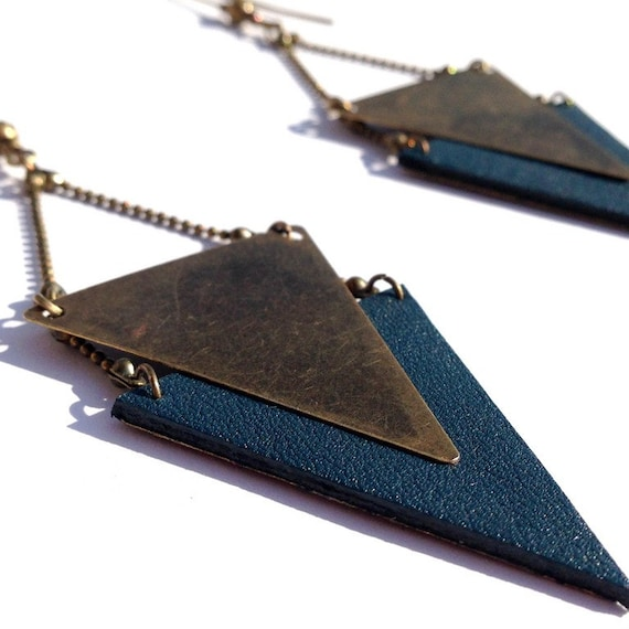 """Teal Leather earring / triangle metal bronze CHEYENNE - Collection """"Indian summer"""""""