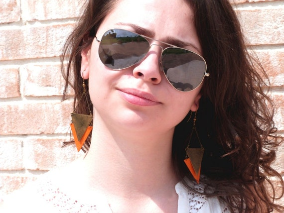 """Metal orange triangle earring / leather CHEYENNE - Collection """"Indian summer"""""""