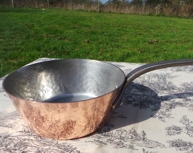 French Copper Pot 2mm 20cm Vintage Professional Windsor Splayed SaucePan 1.4kilos 3 lbs+ Cast Iron Handle New Factory Tin Normandy Kitchen
