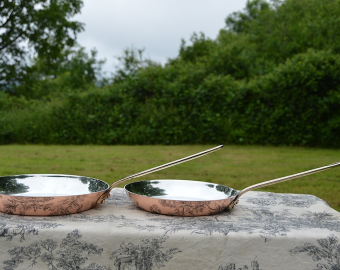 Two Vintage Copper Frying Saute Pans New Villedieu Tin Made in France Frying Pans Saute Pans 1.6+1.7mm French Copper Cast Bronze Handles