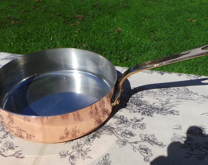 Atelier Du Cuivre Fry Skillet Saute Pan 20cm 8in Made in France Stamped Vintage French Copper Pot Bronze Handle 3 Copper Rivets 1.6mm Copper