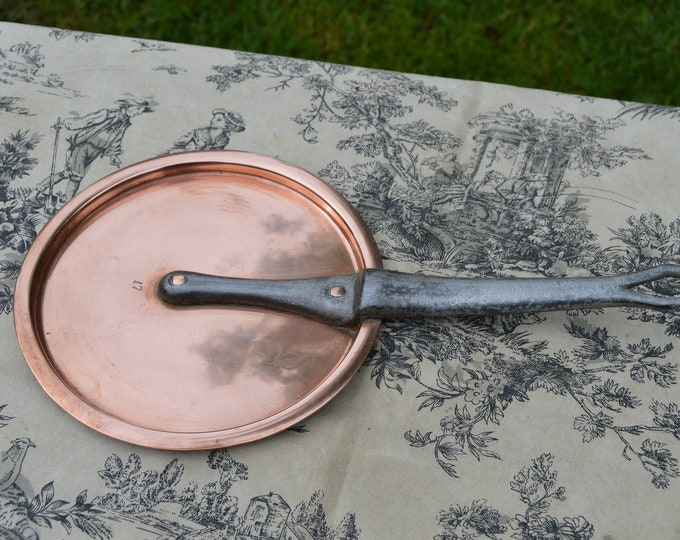 Antique French Copper 17 cm 6 3/4 Inch Diameter 568 grams 1 lb 4 ozs Fitted Splash Lid Copper Rivets Cast Iron Handle Exceptional 6458