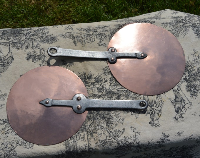 Antique Two Copper Pan Lids 17.5 cm and 19cm Good Quality Pair with Tin Lining and Proud Copper Rivets 2 Copper Pan Splash Lids Stick Lids