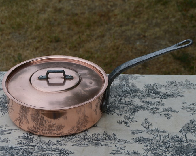 "Copper Saute Pan Solid French Vintage 1.5mm Copper 22cm 8 1/2"" Cast Iron Handles Lid Quality Copper New Wiped Tin Lining Tupperware"