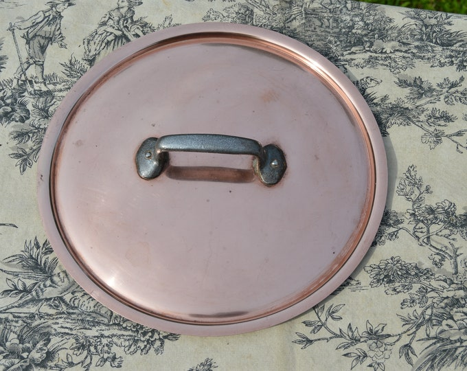 Vintage French Copper Lid 24cm 9 1/2 inch 525 Grams Fitted Splash Lid Copper Rivets Cast Iron Handle Couvercle a Degre Normandy Kitchen
