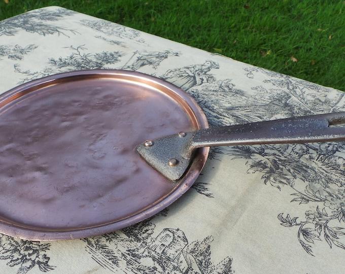 A La Menagere Paris Antique Vintage French Copper Professional Saucepan Lid Cast Iron Handles Tin Lined Dents 19 cm Internal Fits 20 Cm Pan