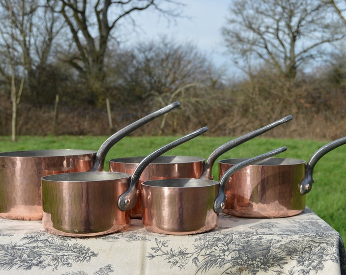 Copper Pans 2.9-3.1mm Vintage French Professional Graduated Set Five Cast Iron Handles Good Factory Tin linings Hammered