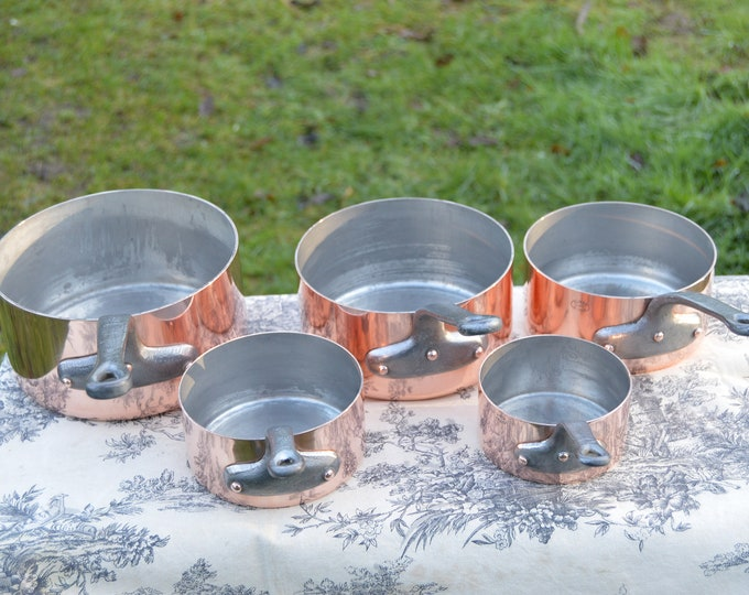 Havard of Villedieu Copper Pans Set Five Graduated Vintage French Hammered Bases 1.1-1.6mm Copper Cast Iron Handles Special Early Set