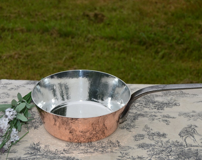 """French Copper 2mm Sauteuse Evasee Pan Windsor New Atelier du Cuivre Tin Lined Vintage Professional Windsor 8 5/8"""" 22cm Fabrication Francaise"""