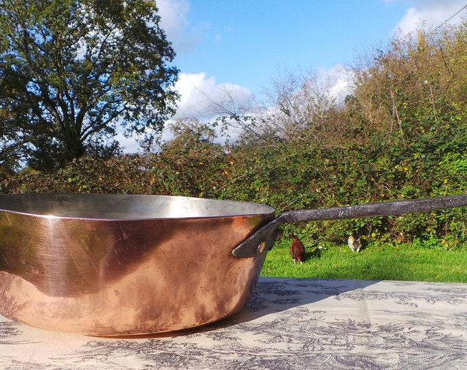 French Antique Copper 27 cm Frying Saute Pan Cast Iron Handle Old and Dependable Heritage Museum Piece 2mm Copper Normandy Kitchen