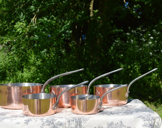 Vintage Tournus Copper Pans French 1-1.5mm Set Five Graduated Exceptional Quality Steel Rivets Nickel Lined Robust Fabrication Francaise