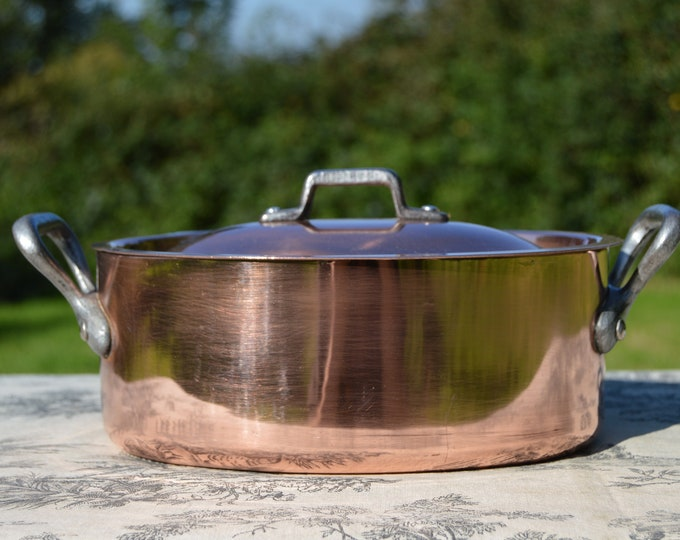 """Vintage French Copper Pan Pot Unmarked Dutch Oven Casserole Lid Faitout 2.2mm Oval 20cm 8"""" Good Tin Made In France Iron Handles"""