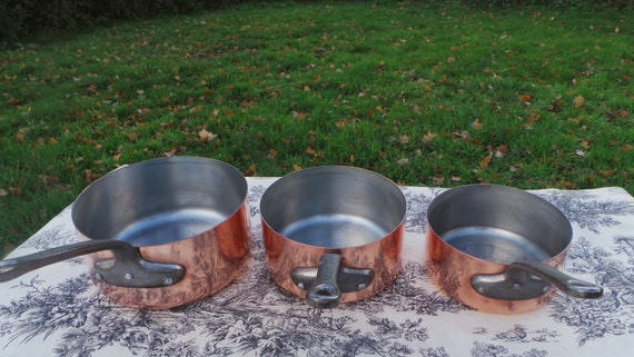 Les Cuivres de Faucogney Vintage French Copper Set Three Professional Graduated Pans Cast Iron Handles Tin Lined Good Condition Copper Pot