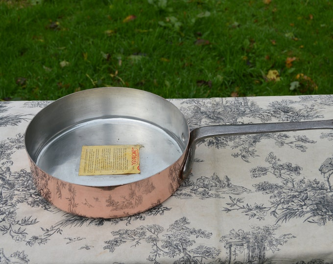 Vintage Copper Fry or Saute Pan 24cm Made in Villedieu 1.3mm Tin Lined French Copper Iron Handle Hammered Base Good Tin Stickered