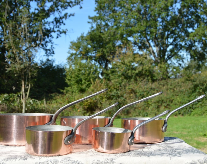 Vintage Copper Pans French 1.5-1.7mm Set Five Graduated Exceptional Quality Hammered Copper Rivets Tin LIned Robust French Copper Pans