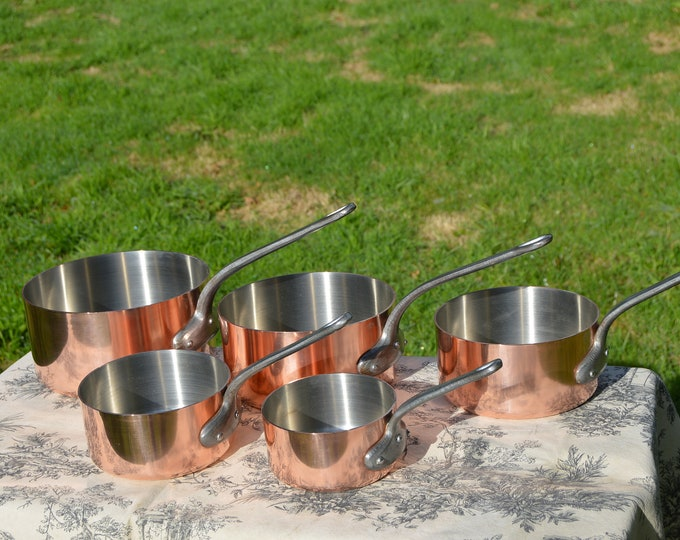 Lecellier of Villedieu Copper Pans Set Five Graduated Vintage French 1.8-2.1mm Copper Cast Iron Handles Robust Nickel Lined Gorgeous Set